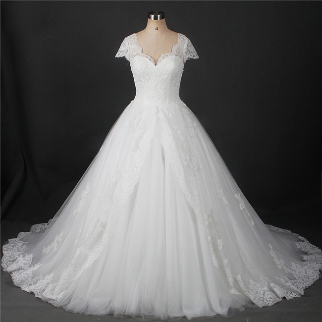 Ball Gown Sweetheart Cap Sleeve Vintage Lace Wedding Dress With Bow