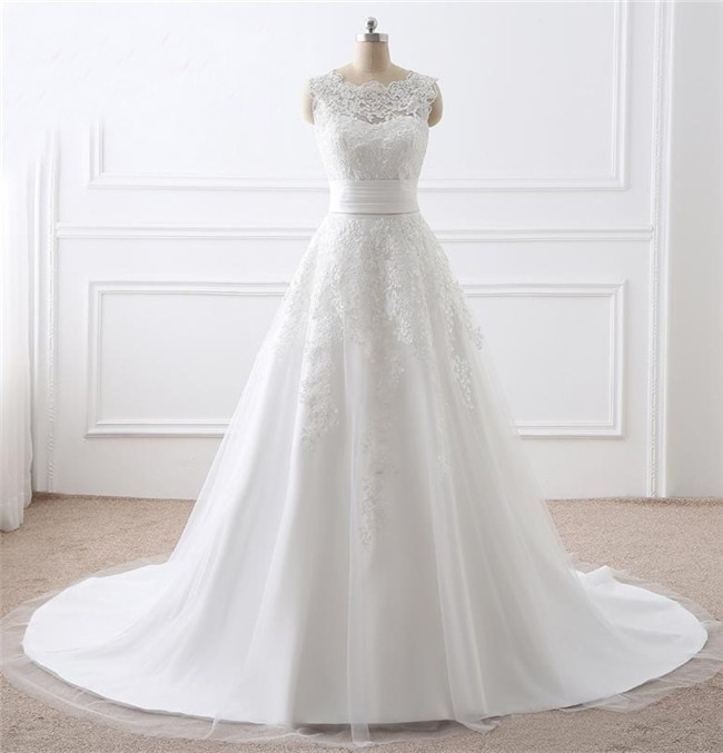 Princess A Line Sleeveless Tulle Lace Wedding Dress With