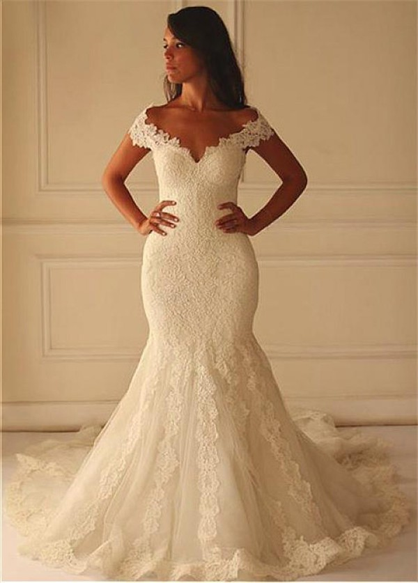 Sexy mermaid off the shoulder vintage lace wedding dress for Lace off the shoulder wedding dresses