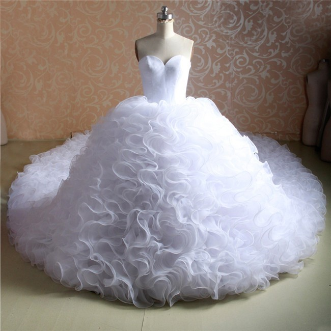 Stunning Ball Gown Sweetheart Organza Ruffle Wedding Dress With Long Train