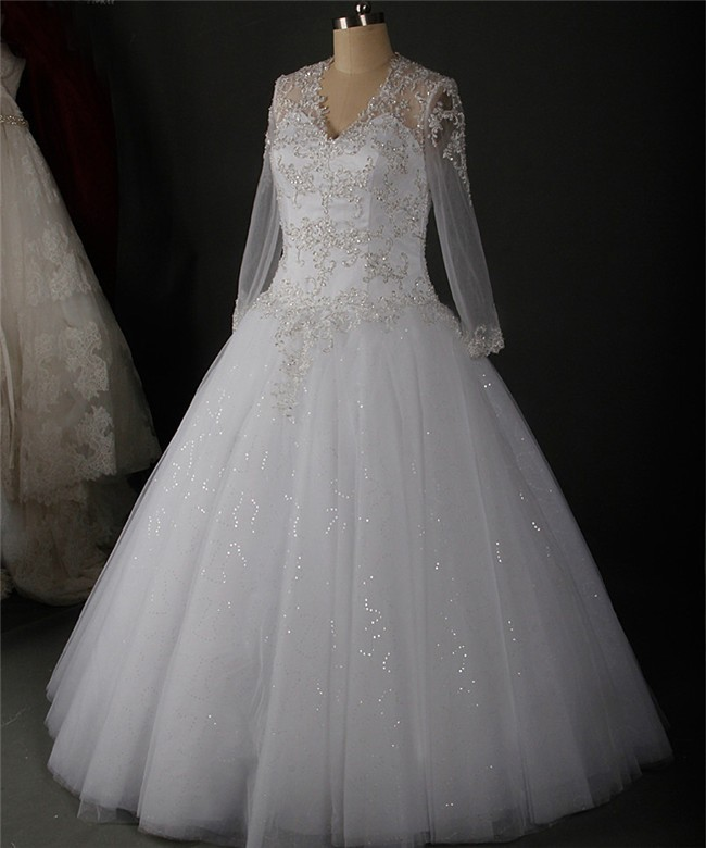 Long Sleeve V Neck Wedding Gown: Ball Gown V Neck Keyhole Back Long Sleeve Tulle Lace