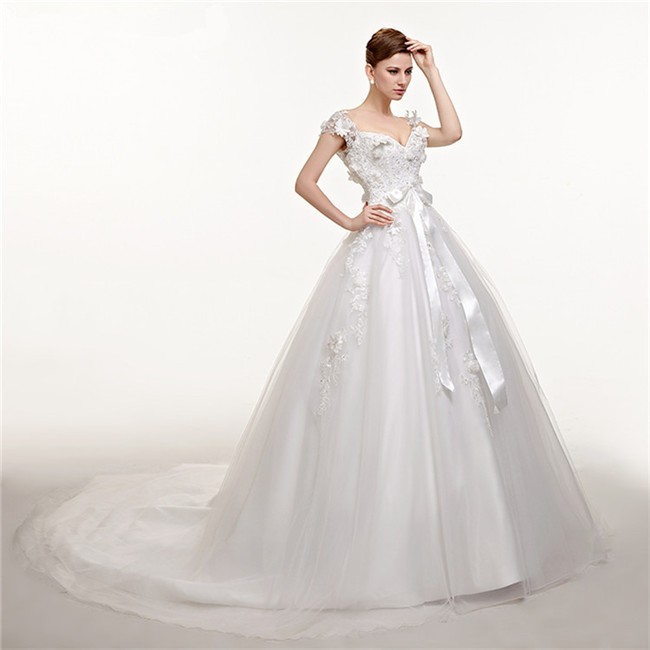 Ball Gown Sweetheart Cap Sleeve Tulle Applique Wedding Dress With Flowers Bow
