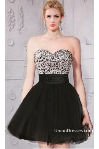 Lovely Ball Gown Strapless Short Mini Black Tulle Beaded Cocktail Prom Dress