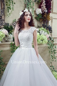 Modest Ball Gown Scalloped Neck Cap Sleeve Organza Lace Wedding Dress