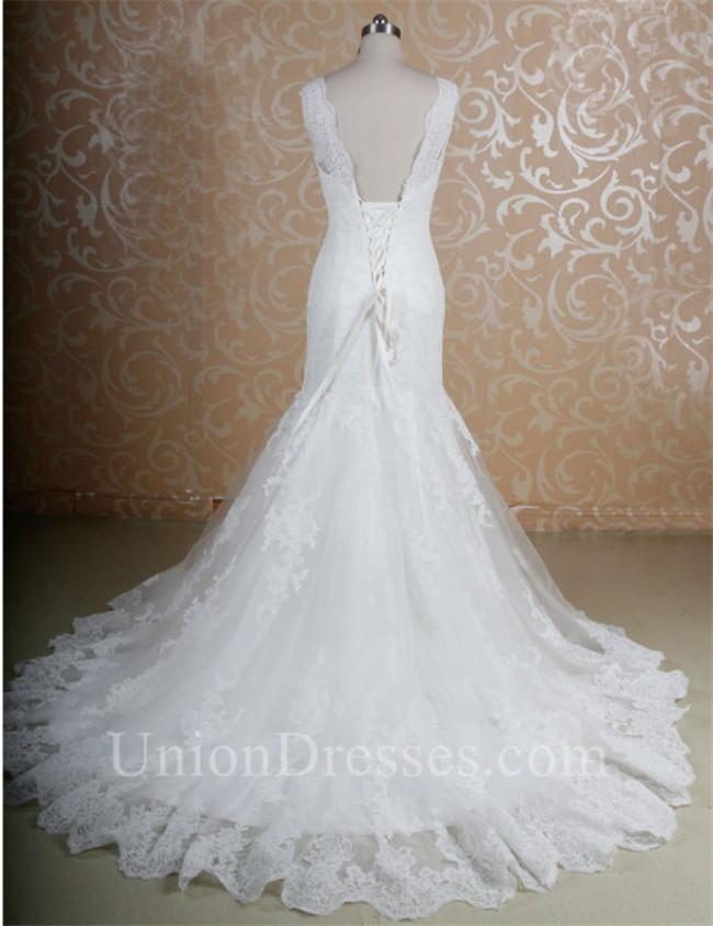 Mermaid Scalloped Neck Low Back Vintage Lace Wedding Dress Corset Back